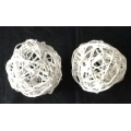 "Vine Ball 4"" Painted White (2)"